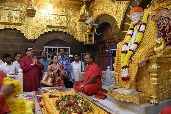 a   1   2   3   4   5   Next Sai Baba Sansthan Felicitates Sai Devotee Shri